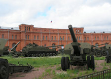 St. Petersburg  Military tour w/transport