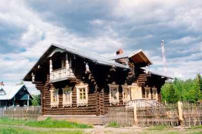 Mandrogi village is unique.