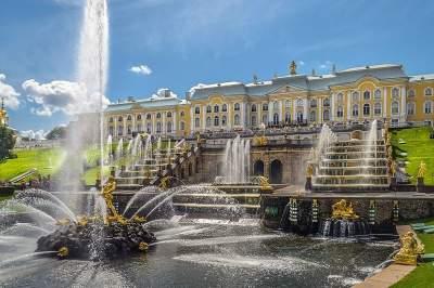 Tour to Peterhof (Petrodvorets)