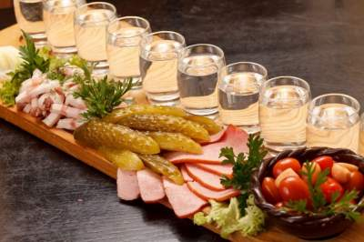 Vodka Museum Tour with transport (excursion and vodka tasting)