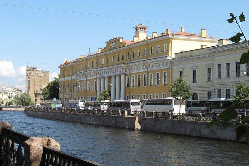 Saint Pétersbourg  Tour au Palais Yousoupov sans transport
