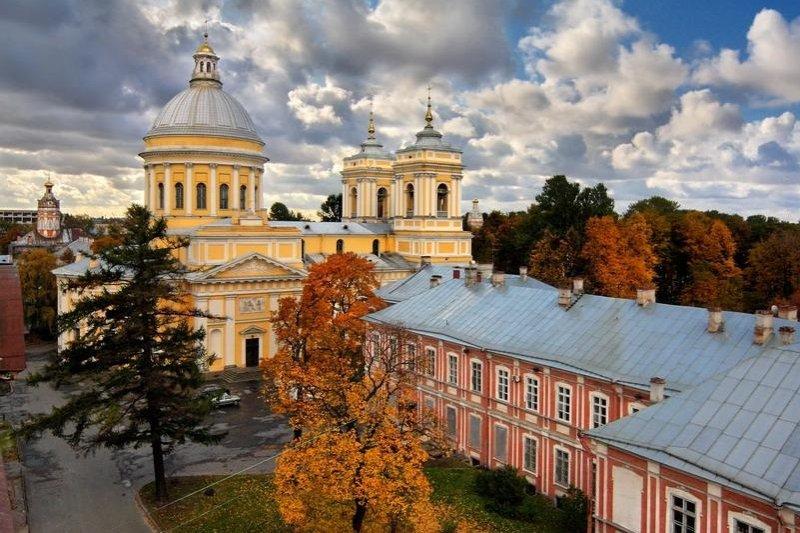 Saint Pétersbourg  Excursion sans transport au Monastère Laure Alexandre-Nevsky