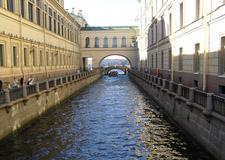 Saint Pétersbourg  Promenade en bateau-mouche sur les canaux de Saint-Pétersbourg sans transfert sur le quai