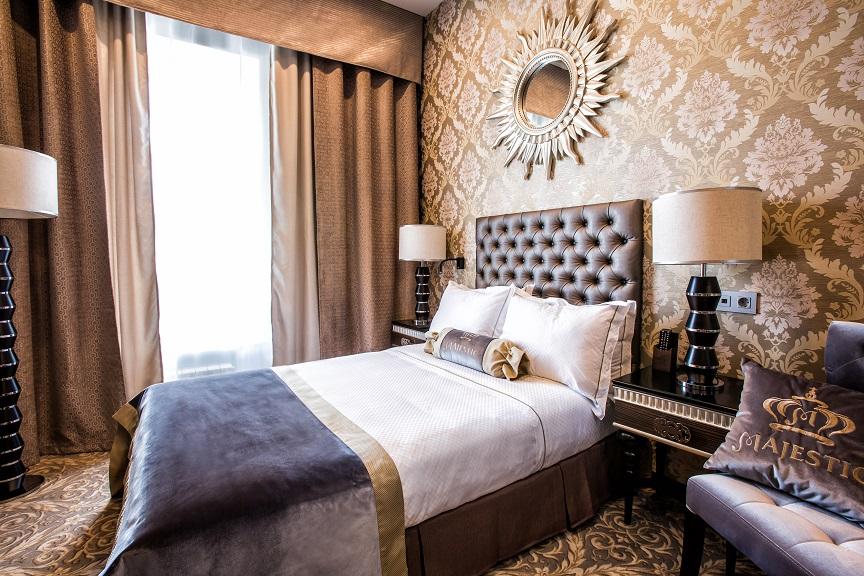 Majestic boutique hotel deluxe h tels saint p tersbourg h tel saint p tersb - Hotel de luxe serre chevalier ...