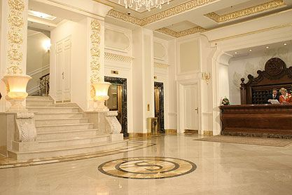 Hotel mosca alberghi mosca albergo mosca savoy - La porta rossa film completo ...