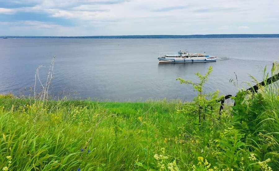 At the pier of the Volga river. The navigation season has started.