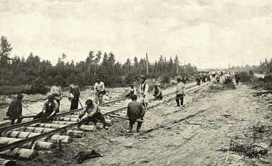 The First Russian Railway - Construction