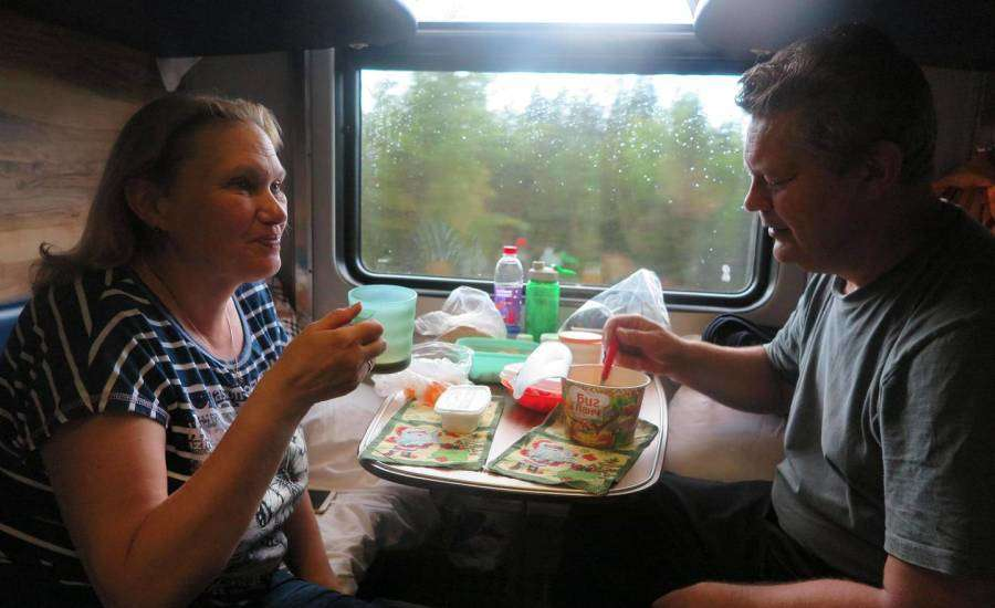 Reasons to Travel by Platzkart in Russia - Food