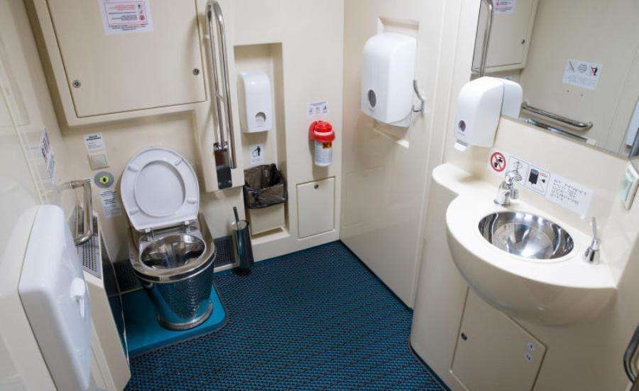 First Class Travel on Russian Trains - WC
