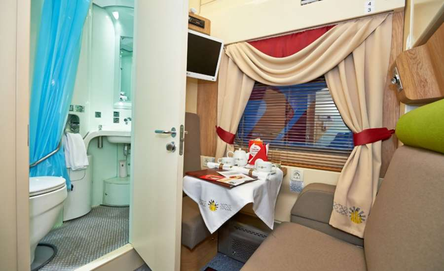First Class Travel on Russian Trains - Lux