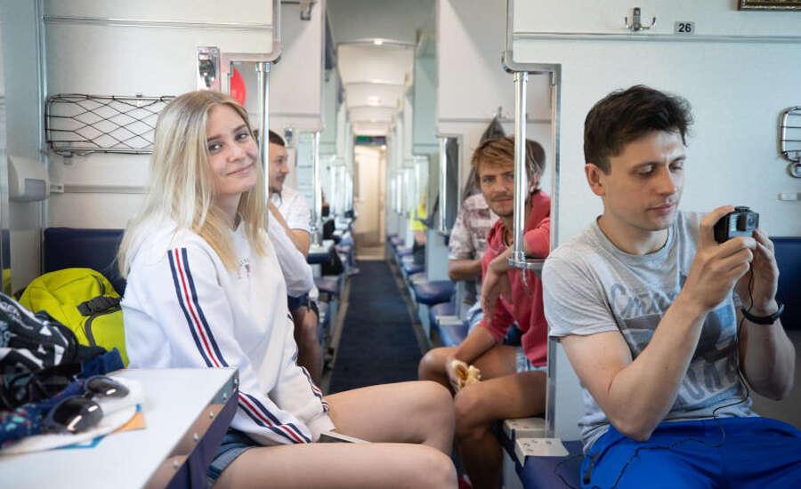 Reasons to Travel by Platzkart in Russia - Passengers