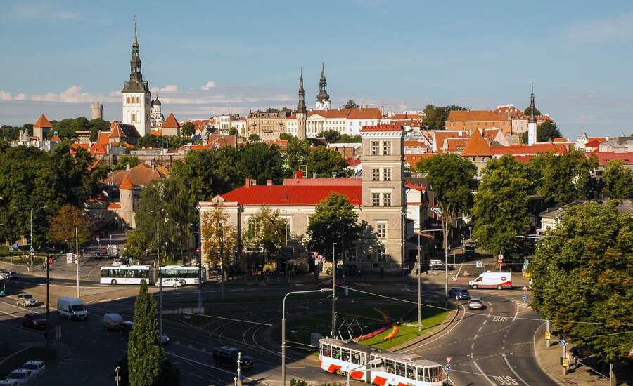 Travelling from Tallinn to St Petersburg