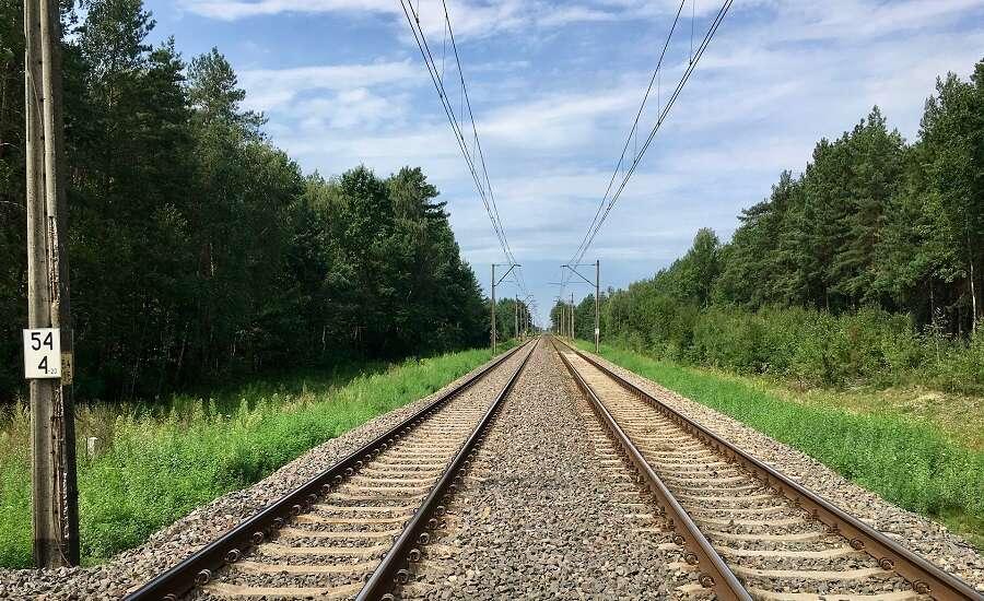 Sapsan Train vs Plane