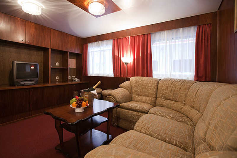 Suite cabin on MS Shashkov