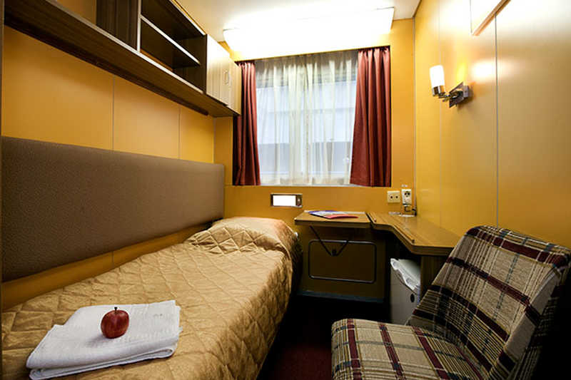 Single cabin on MS Shashkov