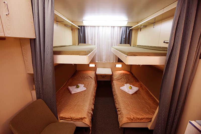 Quadruple cabin on MS Shashkov
