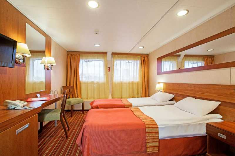 Deluxe Twin/Double Main Deck Without Balcony 18,7-19,6 sq.m.(Category F-) MS Rostropovich