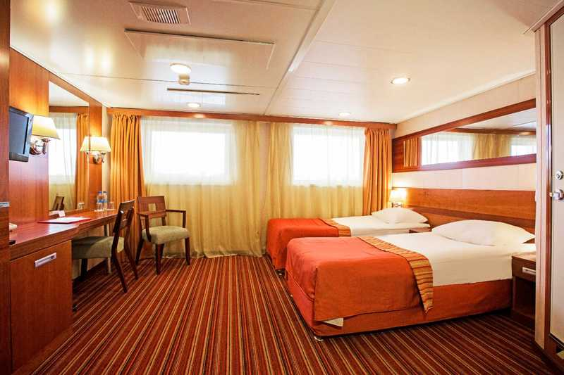 Junior Suite (Twin/Double) Middle Deck Without Balcony 21,7 sq.m. (Category D-) MS Rostropovich